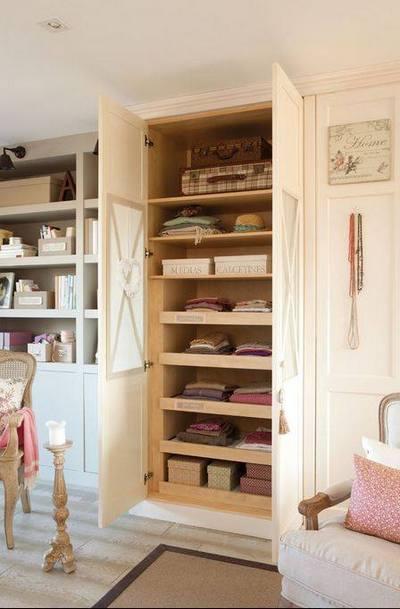 Um m todo pr tico para organizar o guarda roupa - Como forrar un armario por dentro ...