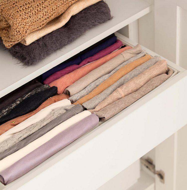 56f599cef Um método prático para organizar o guarda roupa