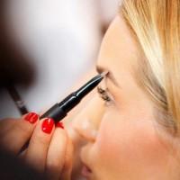 Como se maquilhar de acordo com a cor do cabelo e olhos