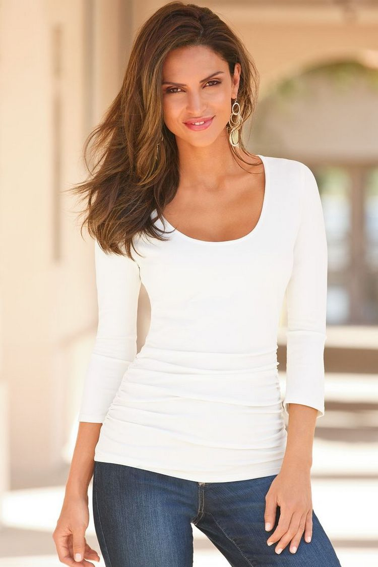 T-shirt branca- prática e confortável