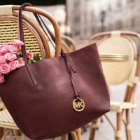 Types of Handbags You Should Own