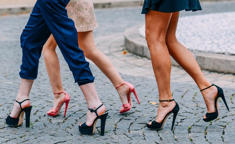 Sapatos - Saltos Altos -Prós e Contras
