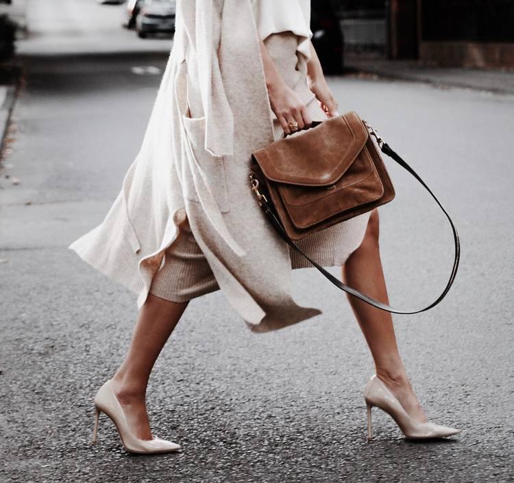 Sapatos salto agulha - sexy e glamour