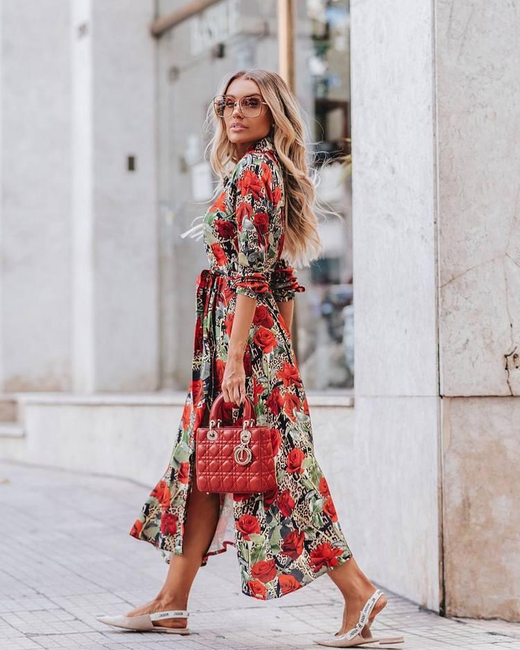 fa068979cf Com usar vestidos floridos Primavera Verão