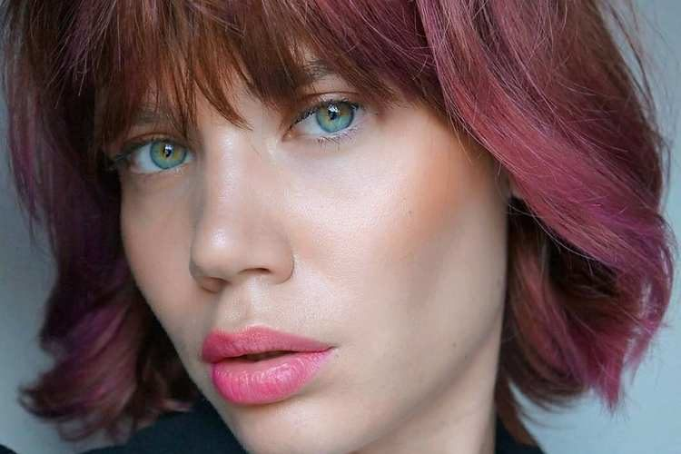 Novos cortes e cores de cabelo 2021 trazem uma aura de renovação!