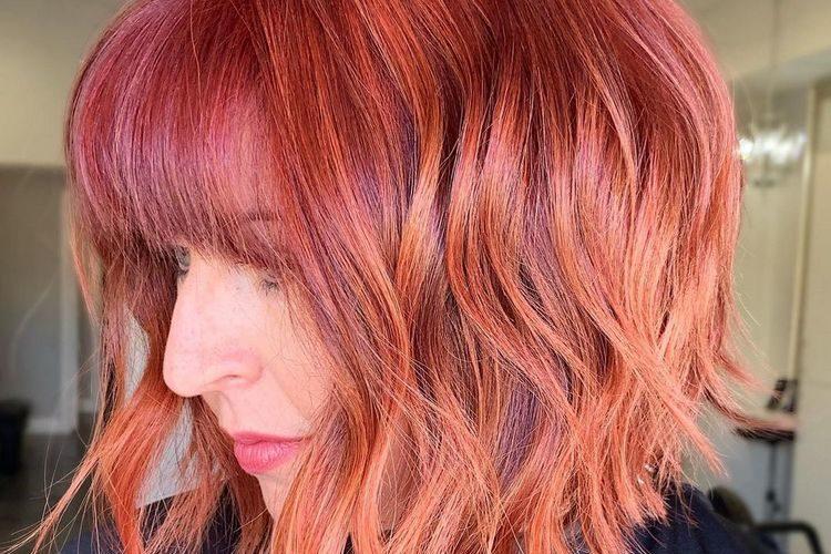 Novos cortes e cores de cabelo que trazem uma aura de renovação!